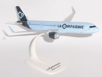 Airbus A321 NEO La Compagnie France Collectors Snap Fit Model Scale 1:200  E
